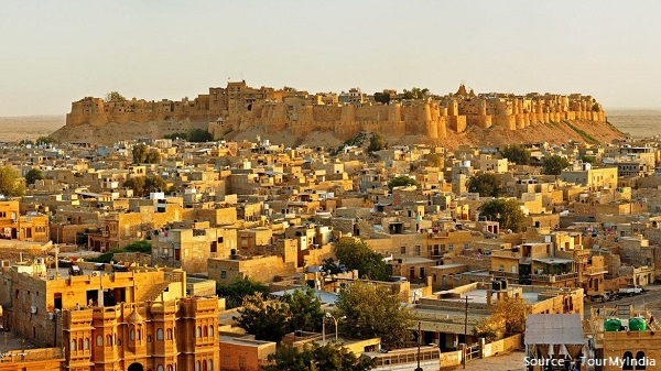 distant view of royal Jaisalmer fort