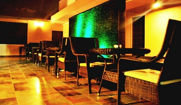Be in Touch Lounge and Bar