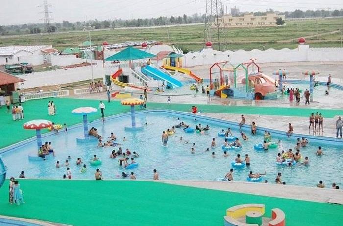 splash-water-park-delhi