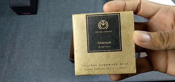 Natural Premium Charcoal Soap – The Man Company