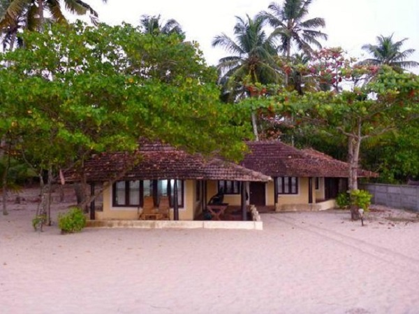 og-beach-bungalow-kerala