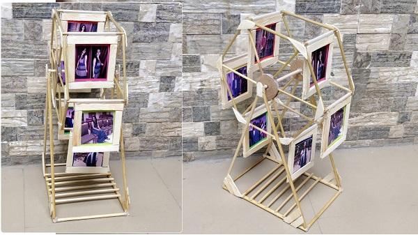 Swing Wheel Photo frame