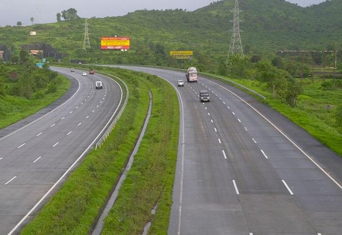 Mumbai to Lonavla via Pune Express Highway