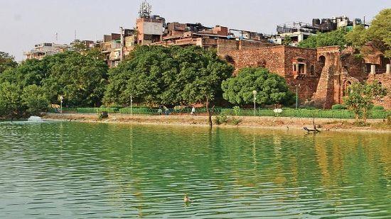 Hauz Khas Fort & Lake