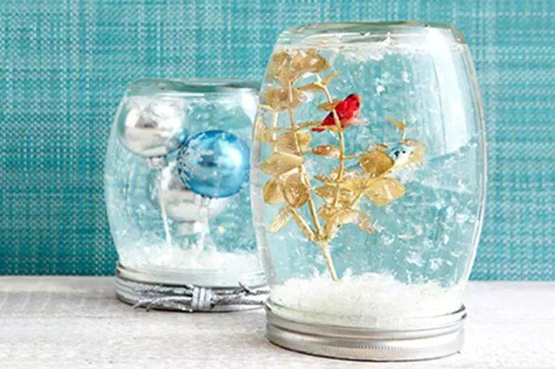 Mason Jar Snow Globe Idea