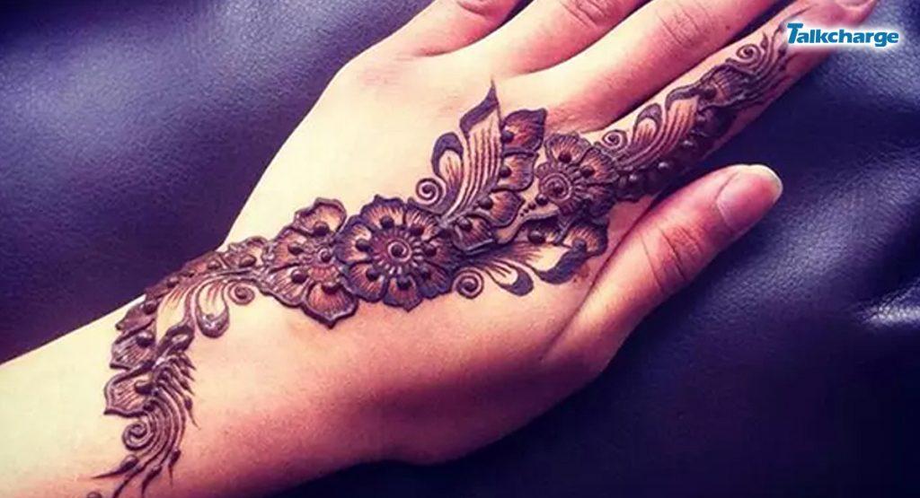 Wavy Arabic Design - Simple mehndi design