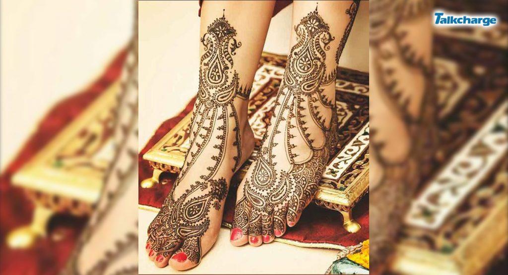 Jewelled Foot Mehndi Design for Bride